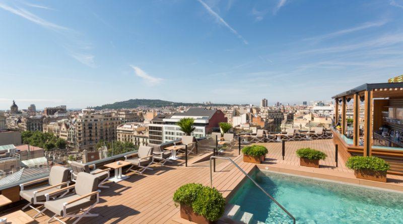 Терраса на крыше отеля Majestic Hotel&Spa Barcelona: La Dolce Vitae – лучшая терраса городского отеля в Европе 2019
