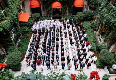 Легендарный Hôtel Plaza Athénée приглашает гостей оценить обновленные интерьеры в стиле ар-деко